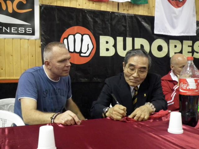 Goshi Yamaguchi signed a T-Shirt